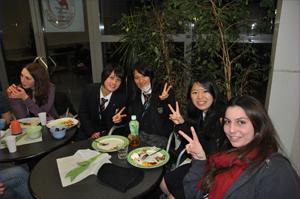 http://www.sundaigakuen.ac.jp/news/upload_images/%E3%83%91%E3%83%BC%E3%83%86%E3%82%A3%E3%83%BC2.jpg